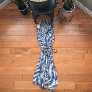 ✨3/$20✨ Old Navy striped sleeveless midi dress